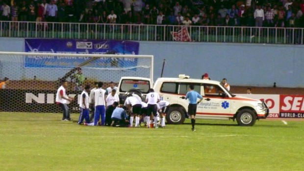 Hurt player, they took him away by ambulance.