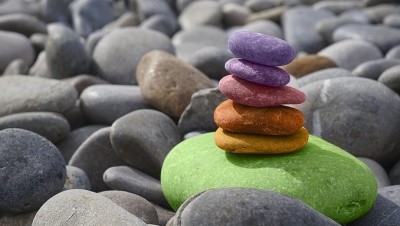 Stacked-Colored-Pebbles-Slider (7 Handy Sites to Keep… well Handy!)