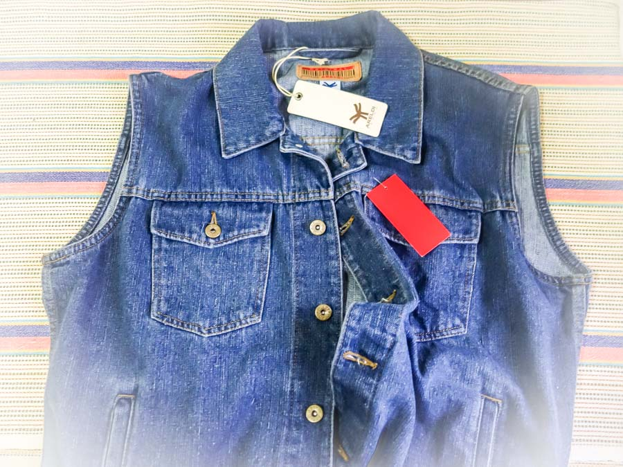 Jeans vest on sale in Cuenca Ecuador